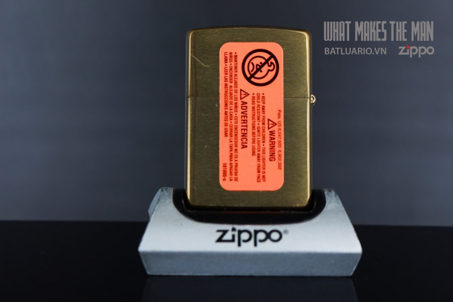 ZIPPO 204B SKULLS ORNAMENT 3