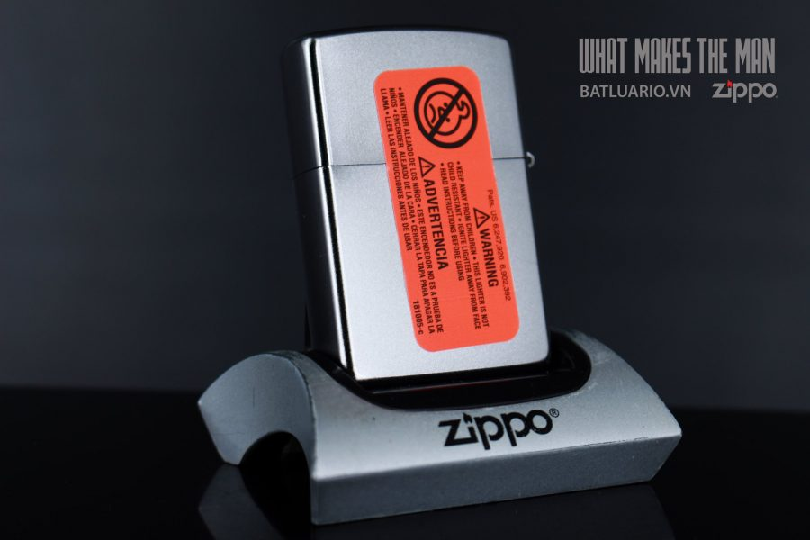 ZIPPO 205 ZIPPO PIN UP 2000S 3
