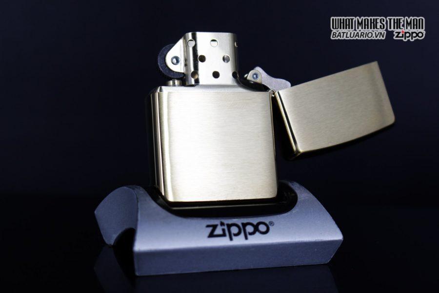 Zippo 29781 – Zippo Mazzi Pirate Ship Brush Brass 5