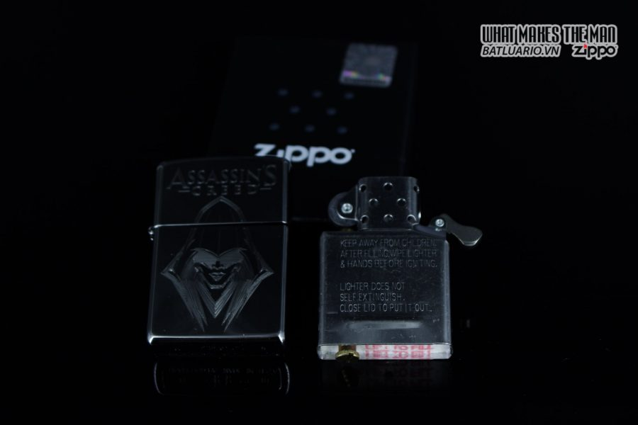 Zippo 29786 - Zippo Assassins Creed Ezio High Polish Chrome 12