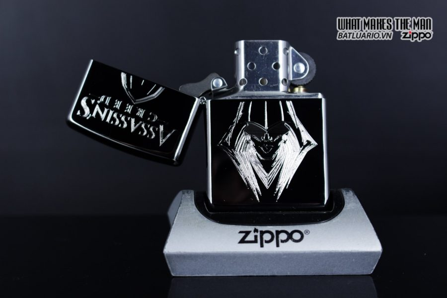 Zippo 29786 - Zippo Assassins Creed Ezio High Polish Chrome 5