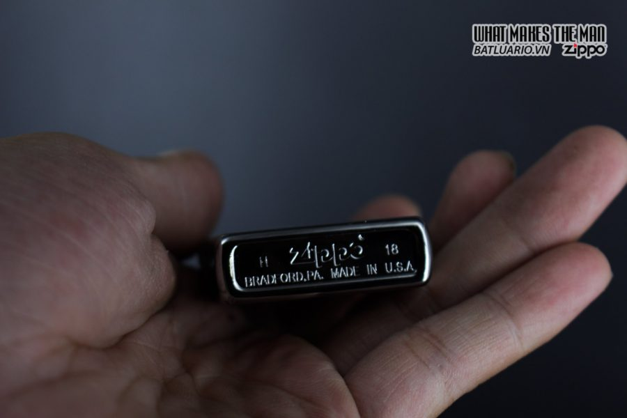Zippo 29786 - Zippo Assassins Creed Ezio High Polish Chrome 8