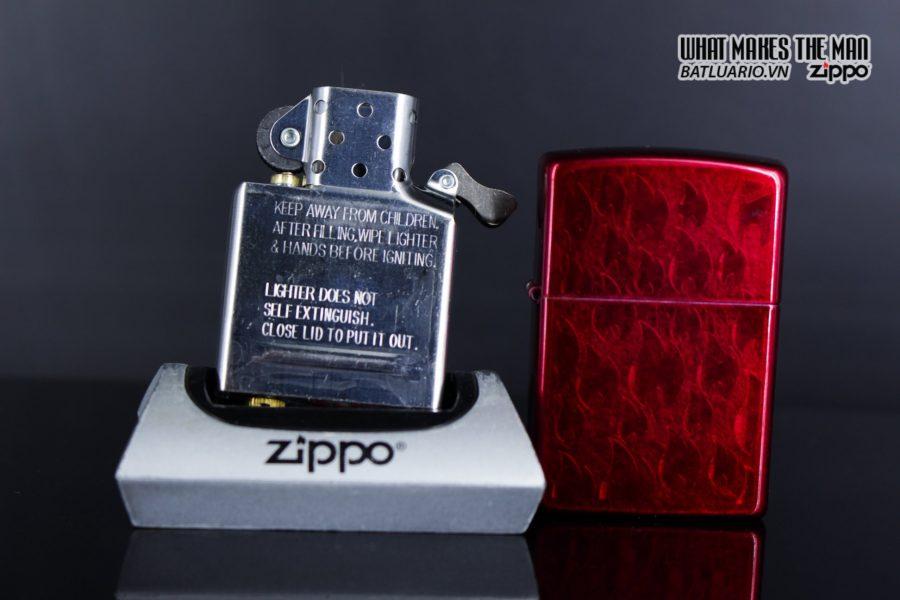 Zippo 29824 – Zippo Iced Zippo Flame Design Candy Apple Red 12