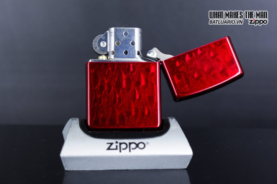 Zippo 29824 – Zippo Iced Zippo Flame Design Candy Apple Red 8