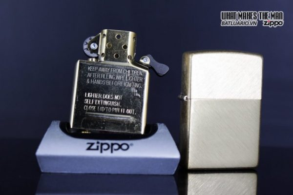 Zippo 29830 – Zippo Regular Herringbone Sweep Brass 10