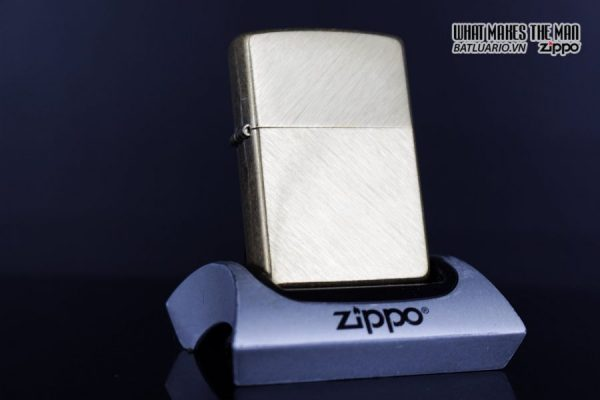 Zippo 29830 – Zippo Regular Herringbone Sweep Brass 11