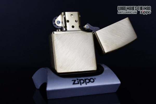 Zippo 29830 – Zippo Regular Herringbone Sweep Brass 13