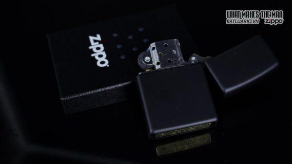 Zippo 29840 – Zippo Dragon Ace Design Black Matte 3