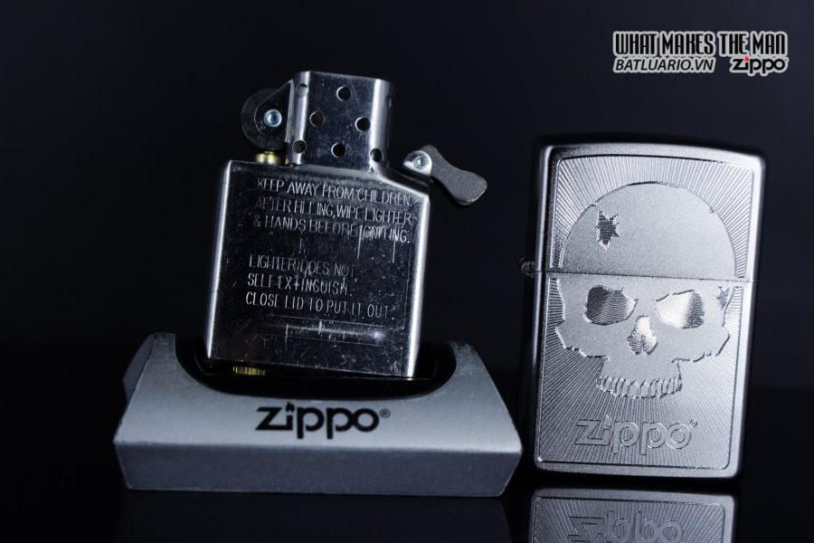 Zippo 29858 – Zippo Skull with Lines Satin Chrome 14