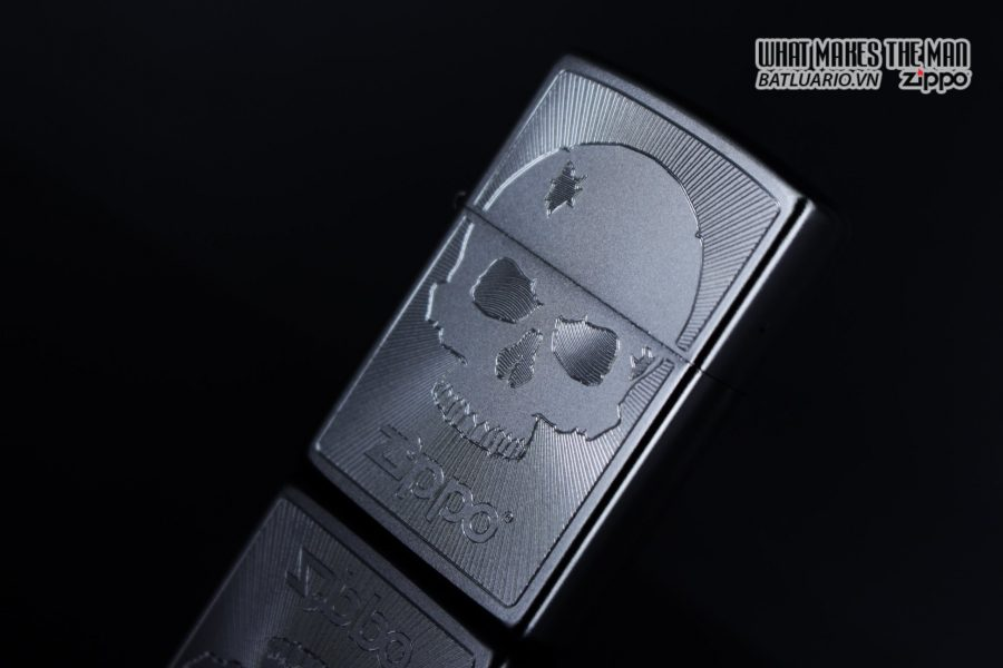 Zippo 29858 – Zippo Skull with Lines Satin Chrome 5