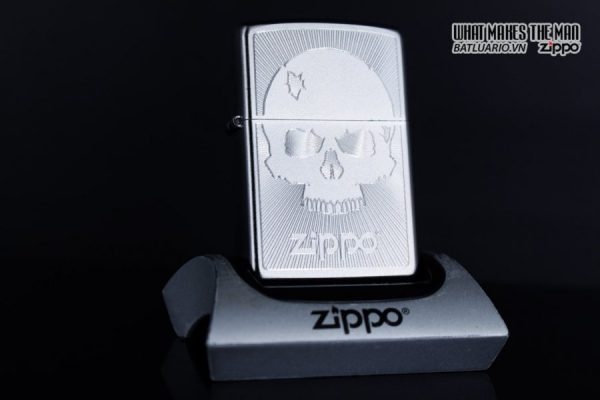 Zippo 29858 – Zippo Skull with Lines Satin Chrome 8