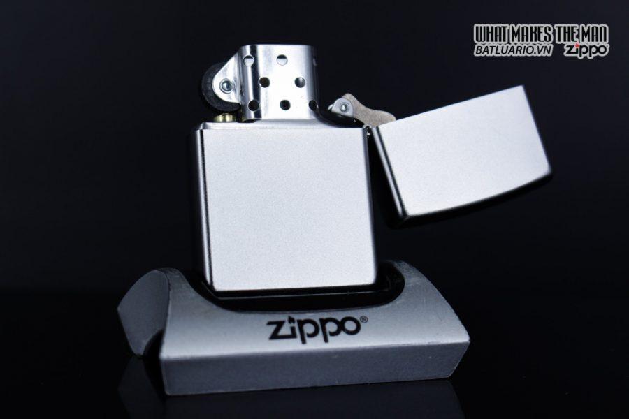 Zippo 29859 – Zippo Lotus Ohm Design Satin Chrome 6