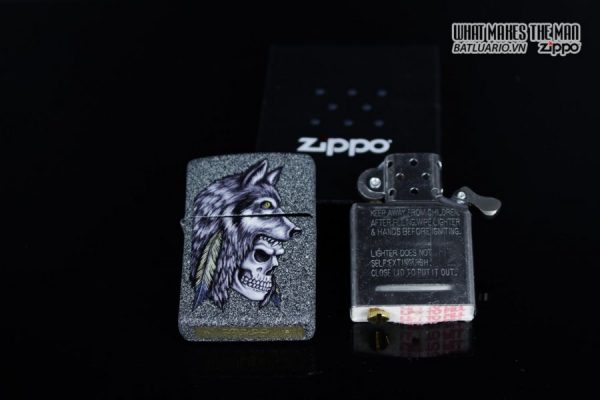 Zippo 29863 – Zippo Wolf Skull Feather Design Iron Stone 12