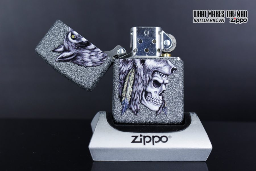 Zippo 29863 – Zippo Wolf Skull Feather Design Iron Stone 9