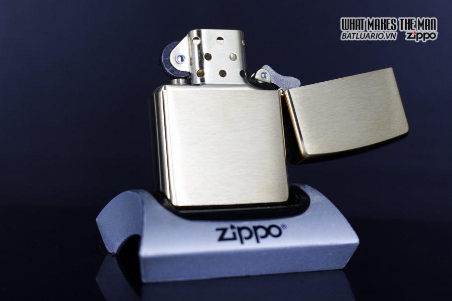 Zippo 29879 – Zippo Rusty Plate Design Brushed Brass 4