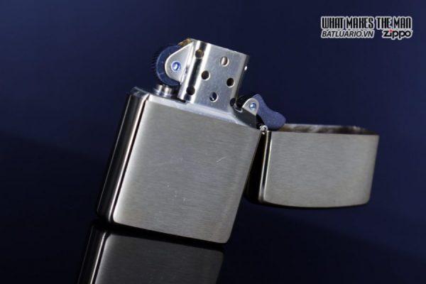 Zippo 29879 – Zippo Rusty Plate Design Brushed Brass 8