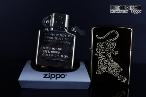Zippo 29884 – Zippo Tattoo Tiger Design High Polish Brass 12
