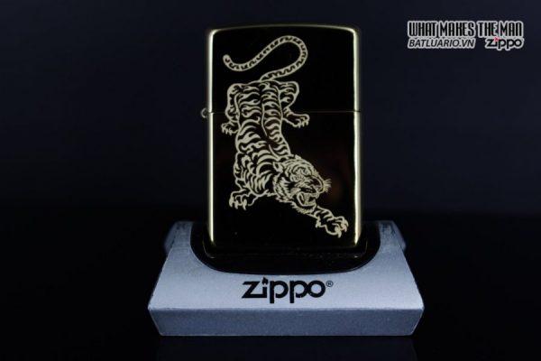 Zippo 29884 – Zippo Tattoo Tiger Design High Polish Brass 6