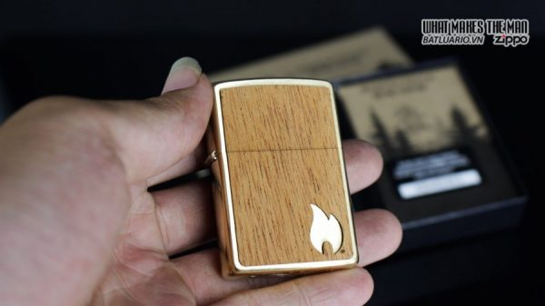 Zippo 29901 – Zippo Woodchuck Sweep Walnut Brush Brass Mahogany Emblem 2