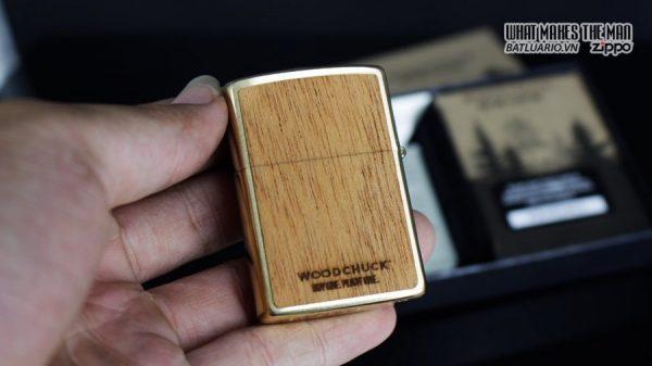 Zippo 29901 – Zippo Woodchuck Sweep Walnut Brush Brass Mahogany Emblem 4