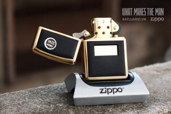 ZIPPO LA MÃ 2000 – ZIPPO ULTRALITE BLACK – GOLD PLATE 1