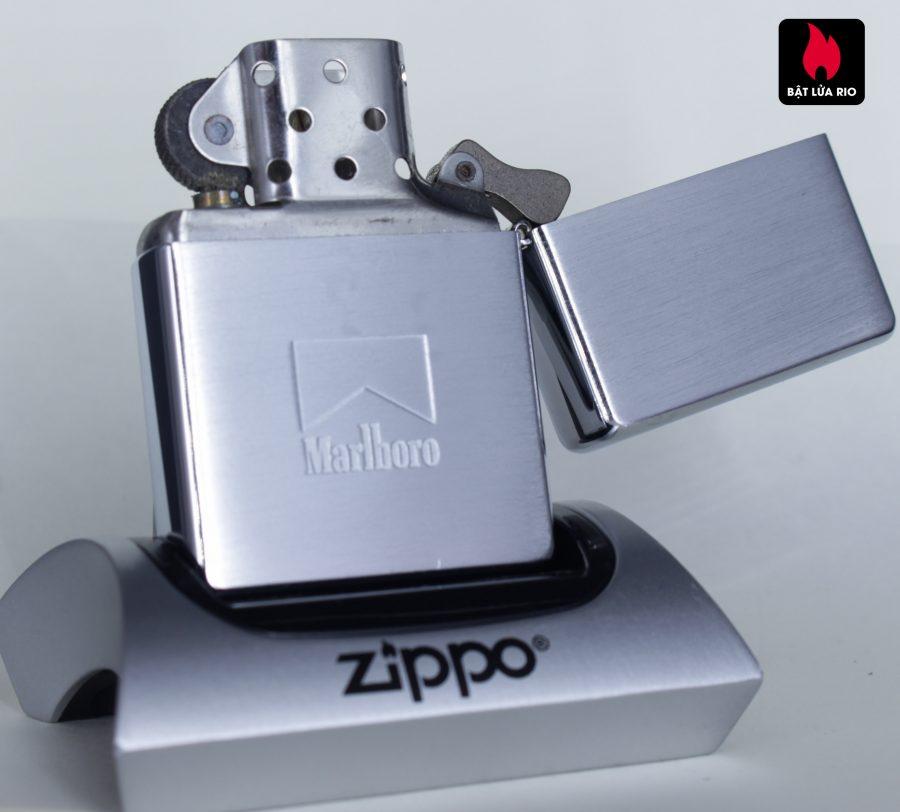 ZIPPO 2002 – ZIPPO MARLBORO ACES/KINGS RED WORLD CHAMPIONSHIP POKER
