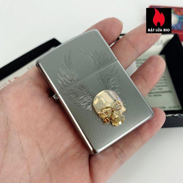 Zippo 49034 - Zippo Gold Skull Design Swarovski® Satin Chrome 4