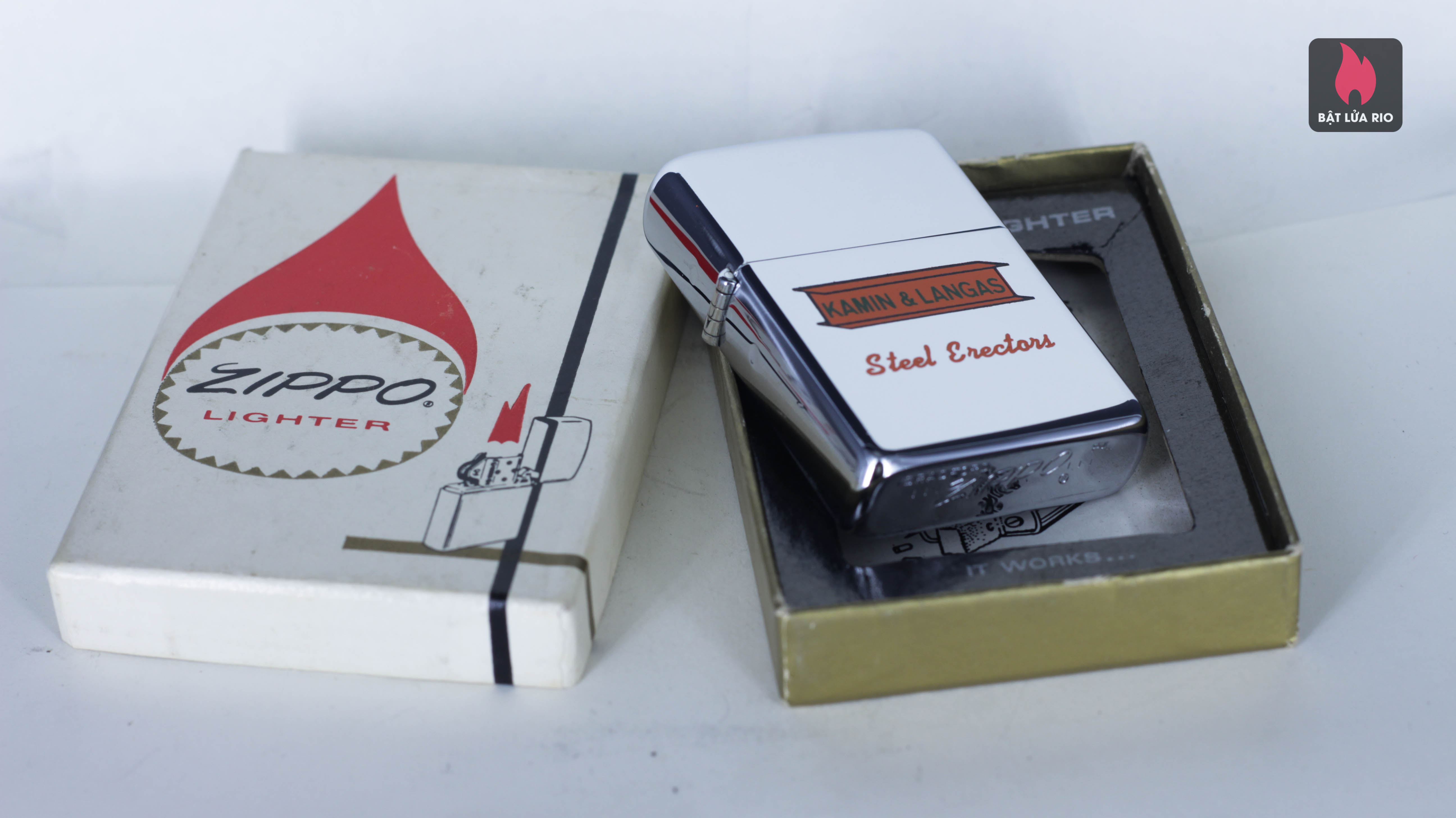 ZIPPO XƯA 1968 - KAMIN & LANGAS STEEL - TOWN & COUNTRY