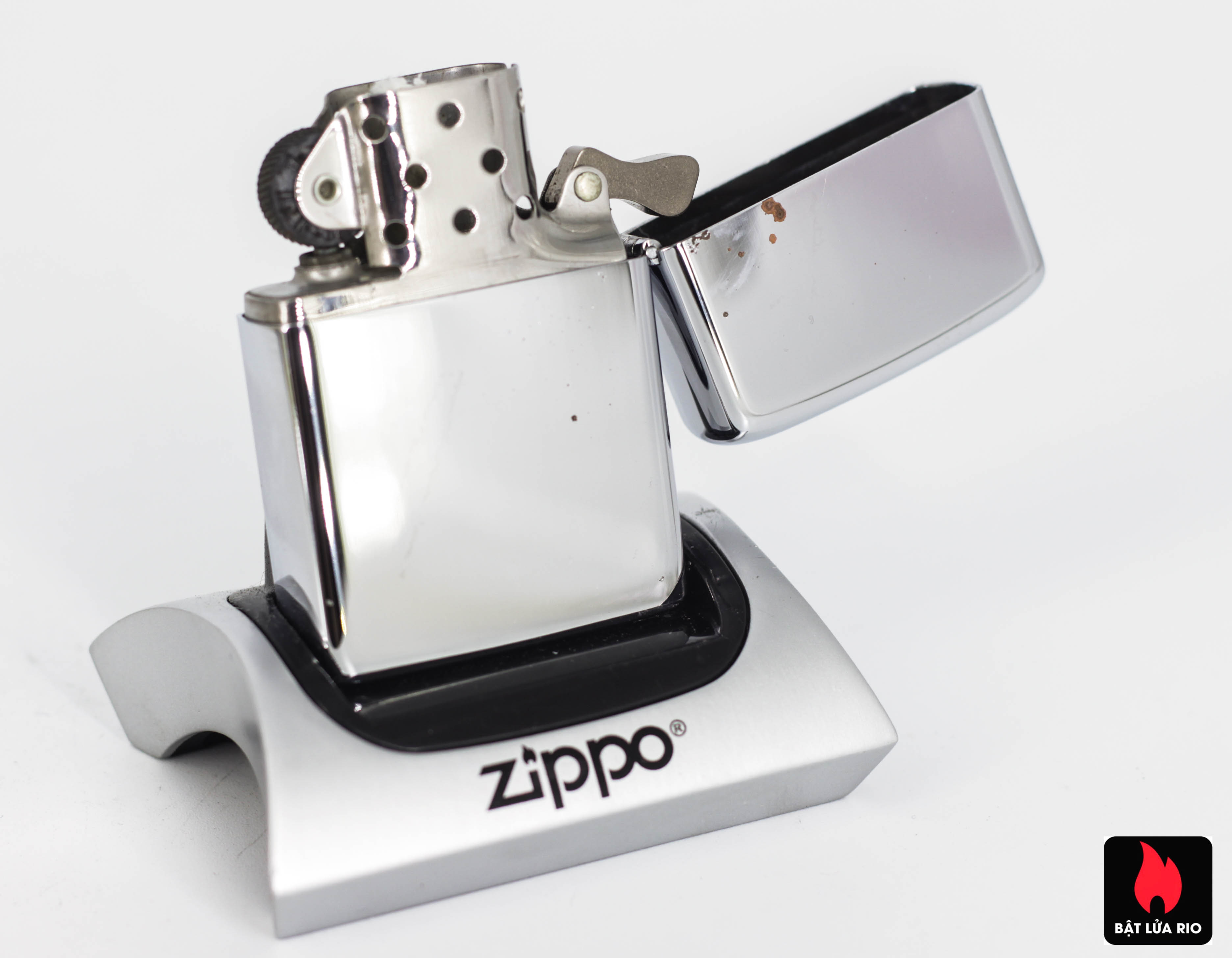ZIPPO XƯA 1971 – PRESENTED BY COMMANDANT US MARINE CORPS