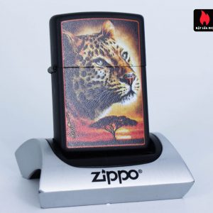 Zippo 49068 – Zippo Mazzi African Leopard Black Matte 1