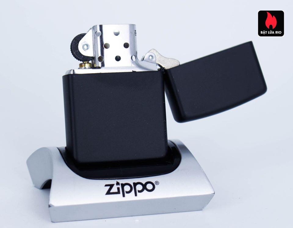 Zippo 49068 – Zippo Mazzi African Leopard Black Matte 3