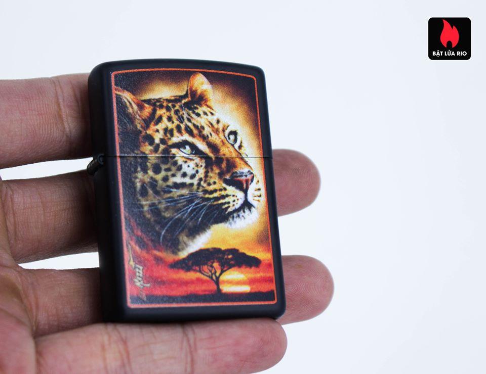 Zippo 49068 – Zippo Mazzi African Leopard Black Matte 7
