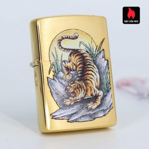 Zippo 49116 - Zippo Tiger Tattoo Design Brushed Brass 2