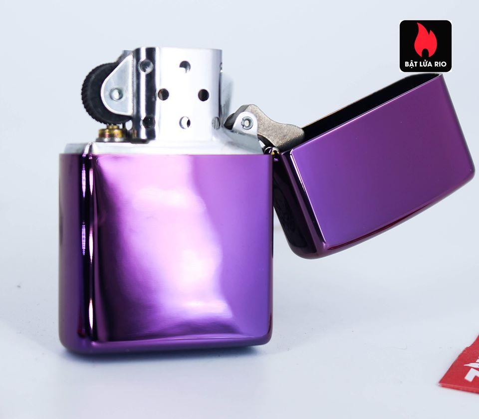 Zippo 49159 - Zippo Hidden Skull Design High Polish Purple 5