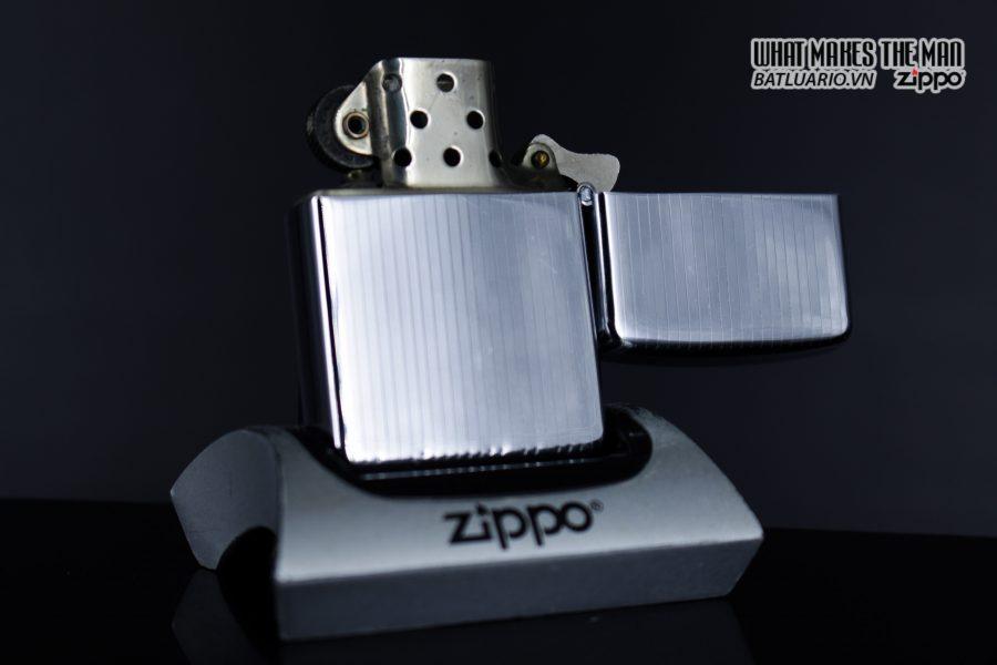 Zippo Xưa 1947 – 1949 – Engine Turned - 3 Chấu 9