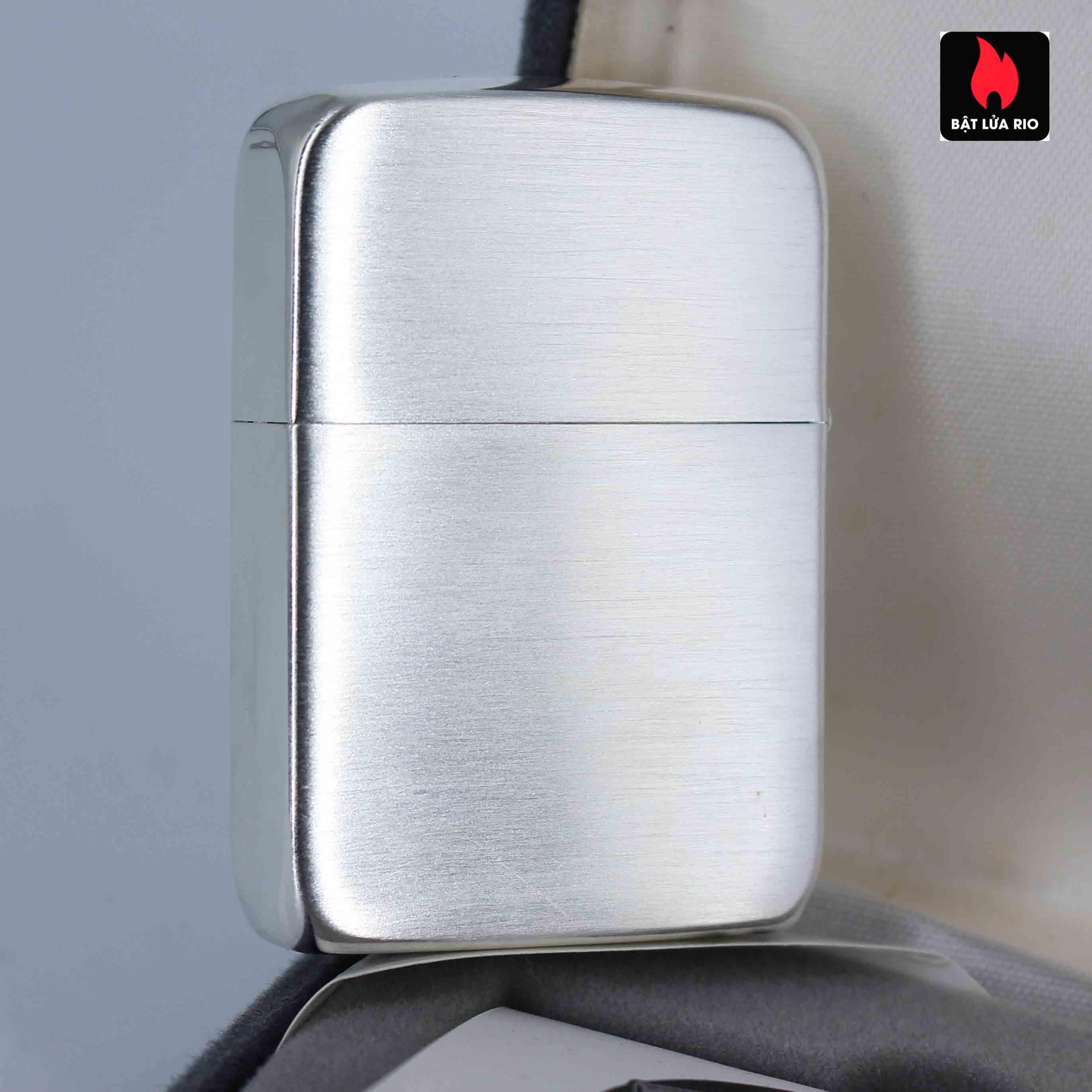 Zippo 2002 - 70th Anniversary - Employee Lighter 1 of 800 3