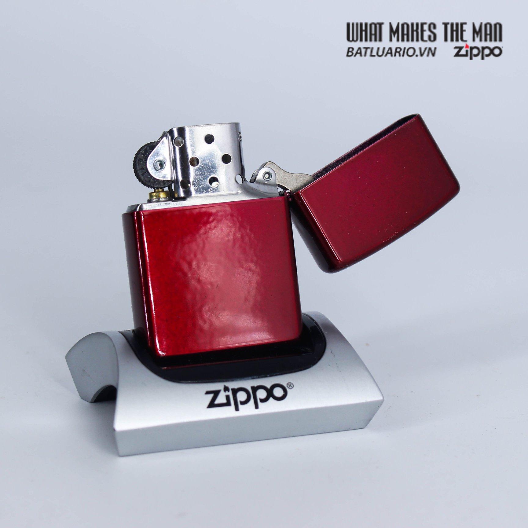 Zippo 49109 - Zippo Lion Tattoo Design Candy Apple Red 3