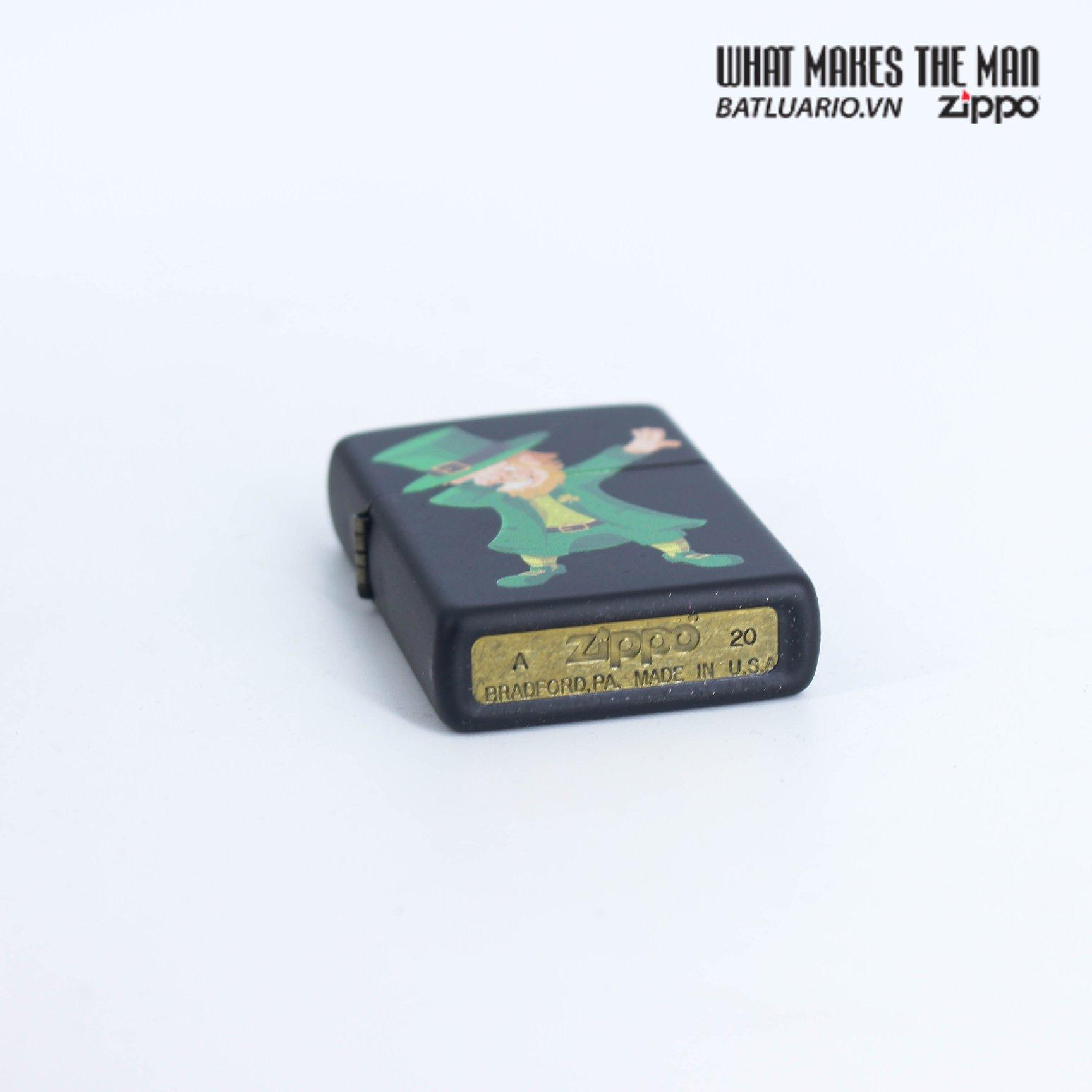 Zippo 49124 - Zippo Dabbing Leprechaun Black Matte 4