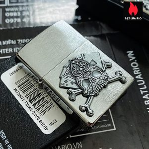 Zippo 49293 - Zippo Cards and Skull Emblem Brushed Chrome 1