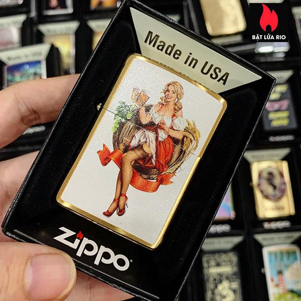 Zippo Zippo 204B Oktoberfest Pinup Brushed Brass
