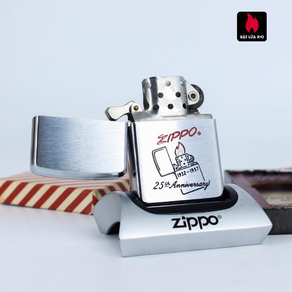 Zippo 1957 – 25th Anniversary – W.C.M – Kỉ Niệm 25 Năm Thành Lập Hãng Zippo 2