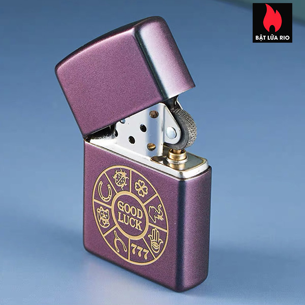 Zippo 49399 – Zippo Lucky Symbols Design Iridescent 2