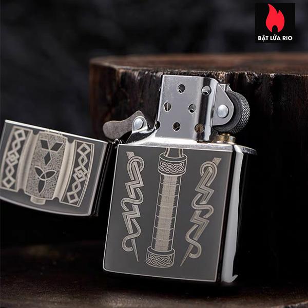 Zippo 49404 – Zippo Thor's Hammer Design Black Ice® 2