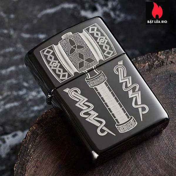 Zippo 49404 – Zippo Thor's Hammer Design Black Ice® 8