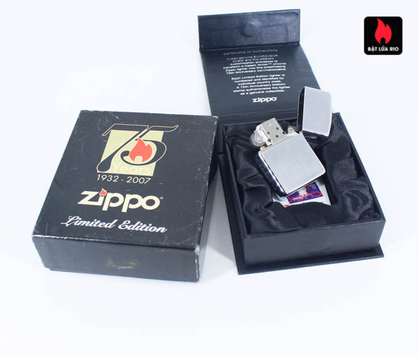 Zippo 2007 – 75th Anniversary Edition – Benelux – Limited BENELUX 1 Of 250 4