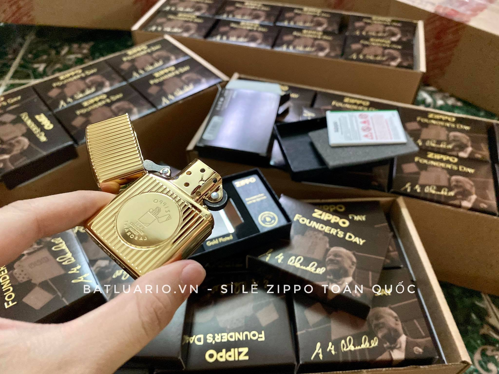 Zippo 49631 - Zippo Founder's Day 2021 Gold Plated Edition Collectible 32